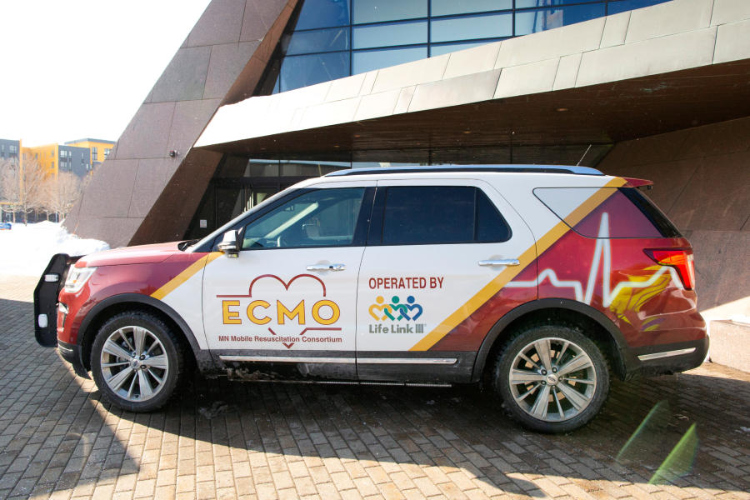 An SUV from the Minnesota Mobile Resuscitation Consortium.